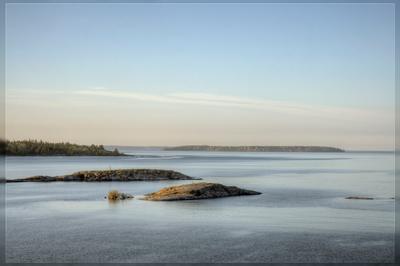 Состояние ладога шхеры острова хмуро спокойно дымка камни гранит гладь рябь вода небо