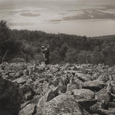 В русле каменной реки. каменная река путешествие дорога поход задумчивость вечность камни