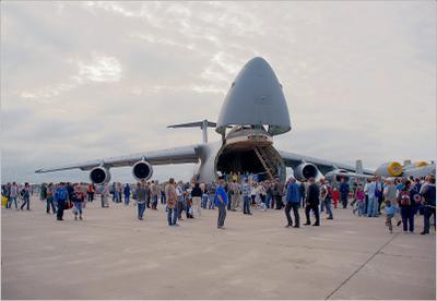 C-5 C-5 авиация США самолет стоянка Жуковский МАКС 2011