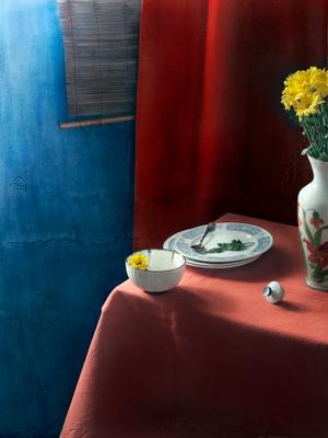 С фарфоровыми тарелками