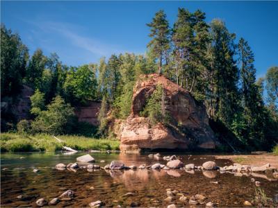 Утёс лес река утёс