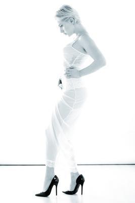 Джессика девушка черно-белое портрет модель