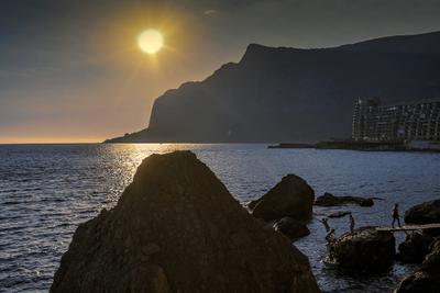 Летний вечер в Ласпи море пейзаж вечер закат крым севастополь жанр прибой