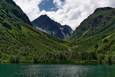 *** Горы озеро озеровгорах пасмурно тучи природа красота лето