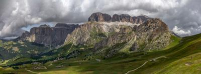 Массив Sass Pordoi. Доломитовые Альпы.