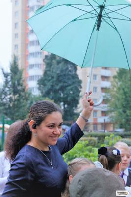 1 сентября, или Чтобы на учеников не капало учительница зонт дождь 1 сентября