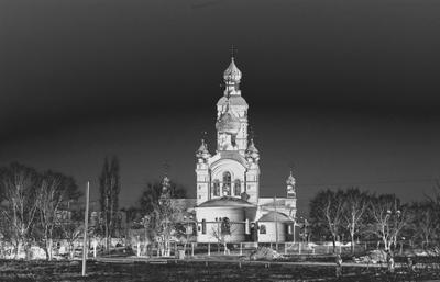 ***Церковь. церковь небо черное белое колокольня