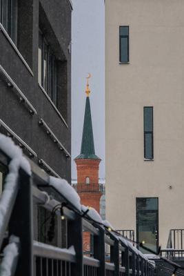 В тесноте ... улица мечеть снежок