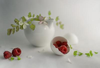 бело -малиновое с зеленью****