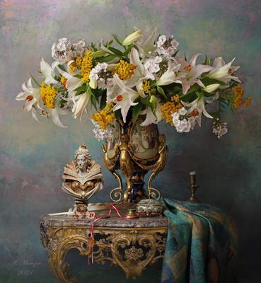 Натюрморт с цветами и бюстом девушки цветы девушка скульптура лилии