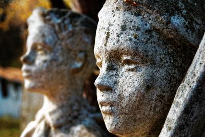 Пионеры грустят по пионерам пирнеры скульптура грусть