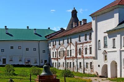 Монастырский двор соловки монастырь