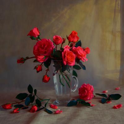 Розы в стакане