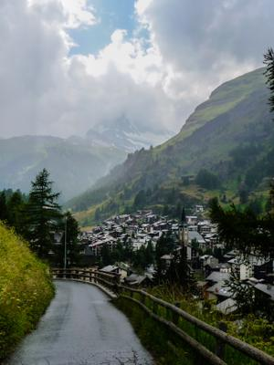 Зерматт после дождя Швейцария пейзаж город