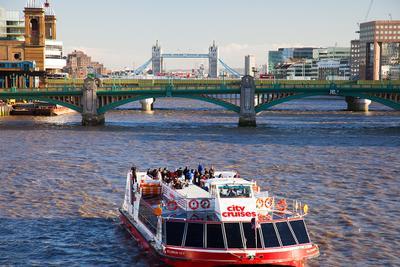 чуден Лондон при солнечной погоде