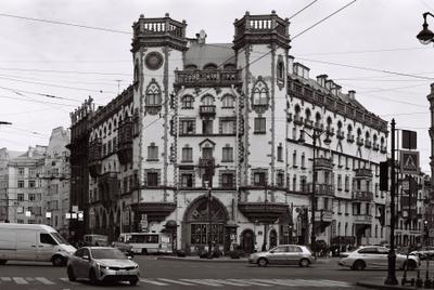 Дом с башнями СПб архитектура ЧБ пленка