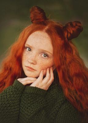 Девочка с веснушками Девушка портрет рыжий лето закат
