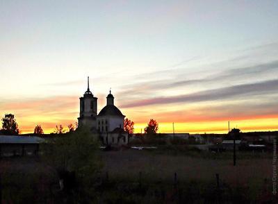 Закатом огненным расплавлен горизонт!.. закат храм небо горизонт