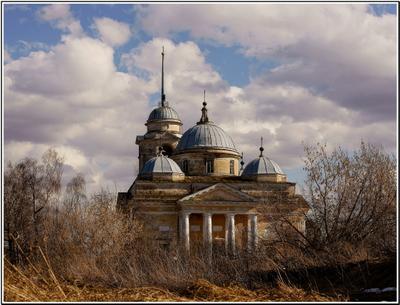 Старицкий Борисоглебский собор. Уходящая классика - 2... Старица, Старицкий Борисоглебский собор, апрель