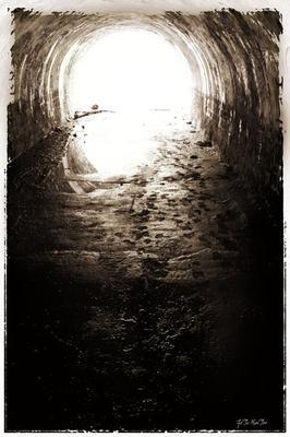Свет в конце туннеля.......? Или куда мы все идём...
