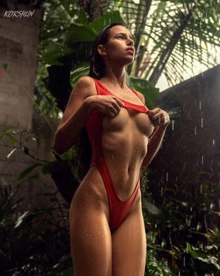 KORSHUN KORSHUN дождь девушка мокрая Бали