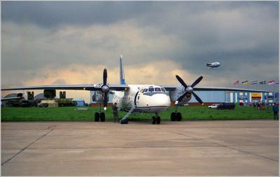 Ан-26 Ан-26 авиация самолет стоянка Жуковский 1999