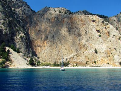 Живописная бухта Греция остров Сими бухта скалы море