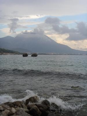 Камни на воде