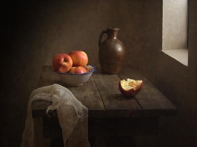 ***  Tatjana Stassevits,яблоки,посуда