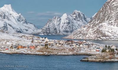 Лофотенские острова Норвегия Лофотены Лофотенские острова зима море океан небо город вода утро горы скалы волны порт