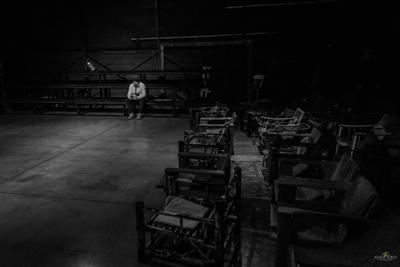 Окончен бал, погасли свечи... bw чб жанр сюжет искусство театр фотограф 2019
