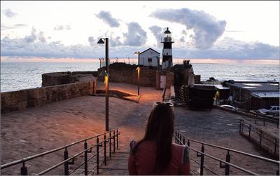 *** старый город закат маяк