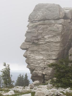 Каменный истукан зюраткуль гора вершина Урал