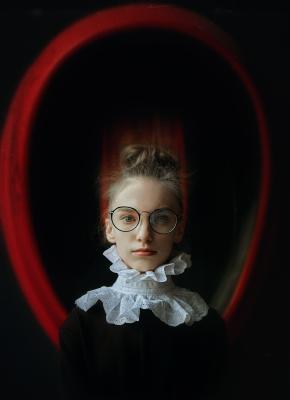 Заземление портрет фото арт-фото девушка