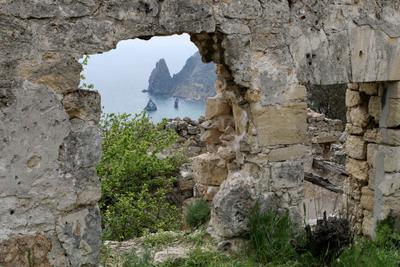 Окно Фиолента Фиолент руины камни море скалы