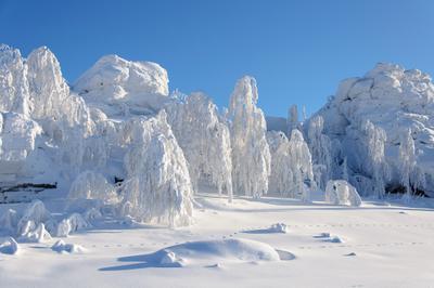 *Уральская зима** снег деревья мороз скалы