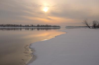 Последний день зимы зима река тучи вода лёд пейзаж природа