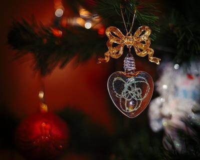 Новогоднее настроение новый год игрушка елка макро сердце