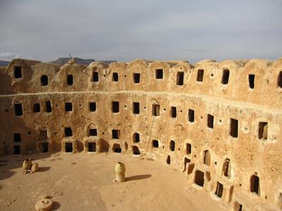 Каср в городе Кабао на севере Ливии. Ливия вулкан кратер горы скалы пустыня
