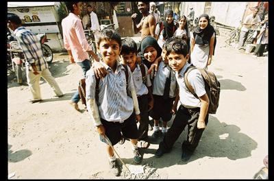 Дети воровского рынка Мир Труд Май Хинди Пхай