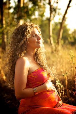ожидание беременность, женщина, осень, золото