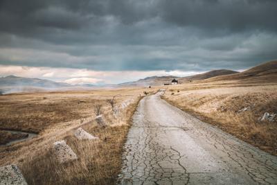 Черногрия пейзаж дорога черногория тучи драматичный