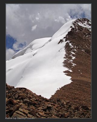 Лезут... Тянь-Шань горы небо фрирайд параплаты пик Срыма Кудерина