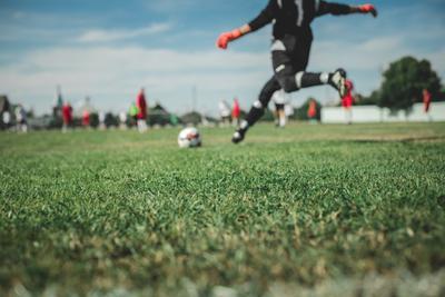 Заземление бутсы футбол лето