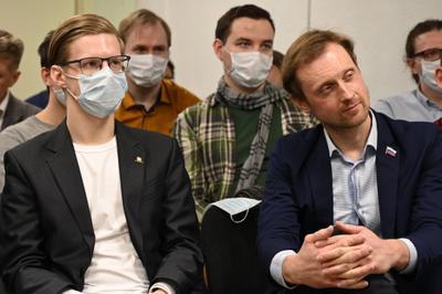 Против системы конференция коронавирус политика