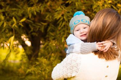 *** осень объятия улыбка мама