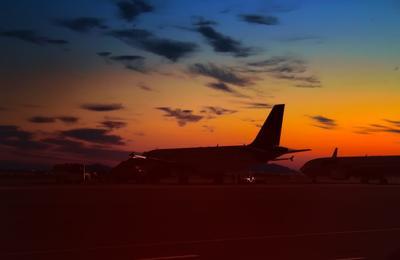 Над Шармом светает Египет Синайский полуостров Шарм Эль Шейх аэропорт облака рассвет контуры самолетов Egypt Sinai Peninsula Sharm El Sheikh airport clouds sunrise contours plane