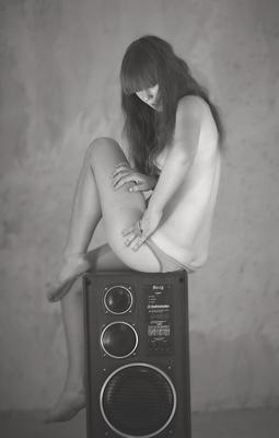 Рижская акустика s90 в деле girl девушка волосы спина нога