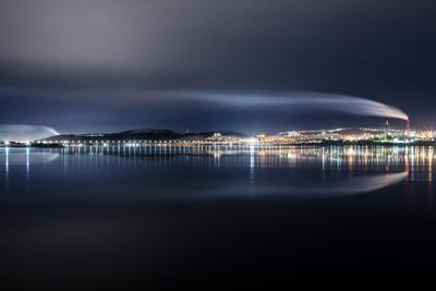 Дыхание города мурманск вечер ночь зима море залив север небо облака свет движение отражение