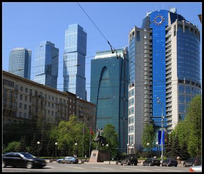 Багратион: Москва за нами конный памятник Багратион Кутузовский проспект Москва сити Москва-сити небоскреб небоскребы башня
